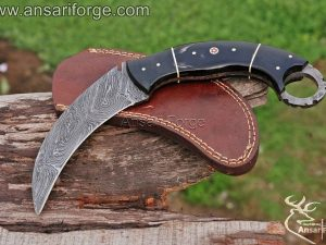 Damascus knife Karambit